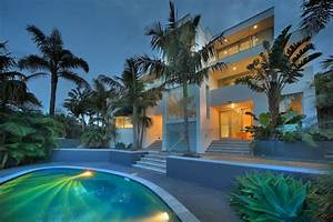 Beautiful Contemporary Villa with Pool in New Zealand ...