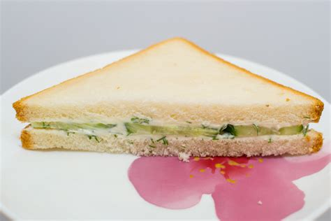 how to make a cucumber cream cheese sandwich 8 steps