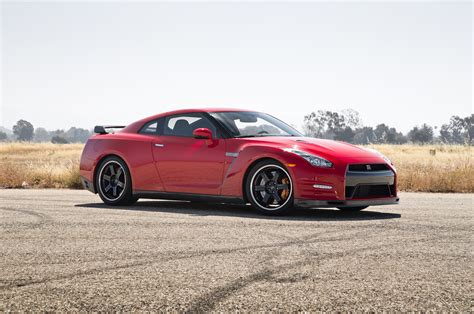 2018 Nissan Gt R Track Edition Front Three Quarter Photo 5