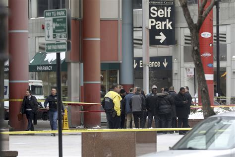 Off-duty Chicago Police Officer Fatally Shot During
