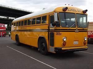 Crown Supercoac... School Bus