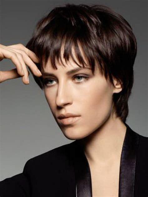image coupe courte femme 50 ans 2014 coiffure cheveux