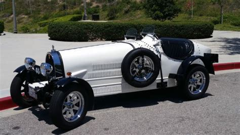 The type 35 was also available with an unsupercharged engine and that version had no hole in the engine hood. 1927 Bugatti Type 35b Kit Car NO RESERVE...BLOWIN' IT OUT!!!! for sale: photos, technical ...