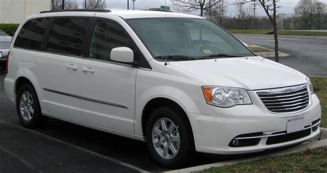 Next Generation Chrysler Minivan by Next Chrysler Minivans To Get 9 Speed Automatic All