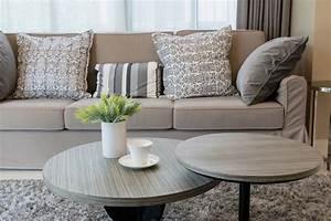 La couleur taupe clair en 60 exemples deco elegants et for Tapis exterieur avec couleur taupe canape