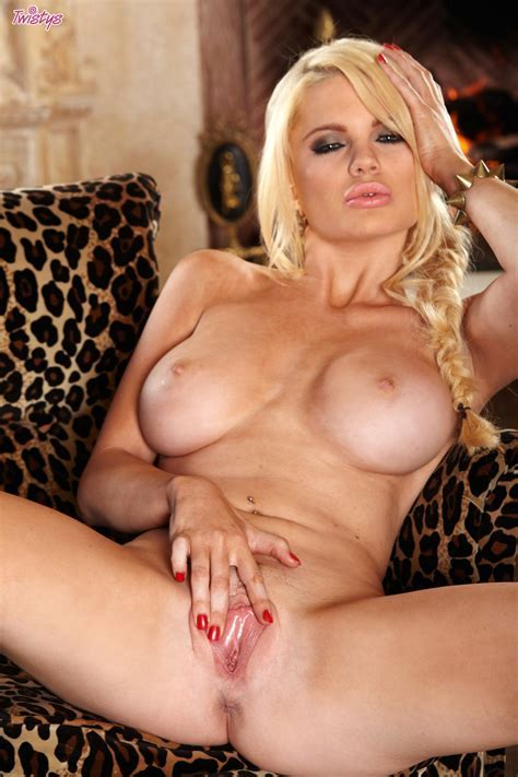 Alexis Ford Posing Naked In Front Of The Camera My Pornstar Book