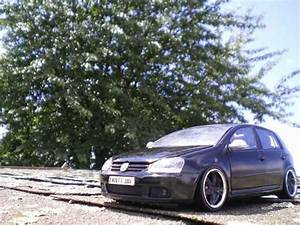 Volkswagen Golf 5 Kaufen : volkswagen golf v gti men in black 2 burago modellauto 1 ~ Kayakingforconservation.com Haus und Dekorationen