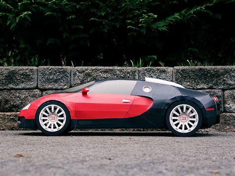 Une Bugatti Veyron En Papier