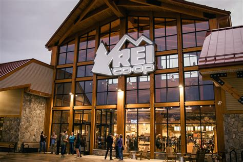 rei opens experiential center  north conway