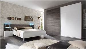 Schlafzimmer Komplett Weiß : schlafzimmer komplett in weiss hochglanz schlafzimmer ~ Orissabook.com Haus und Dekorationen