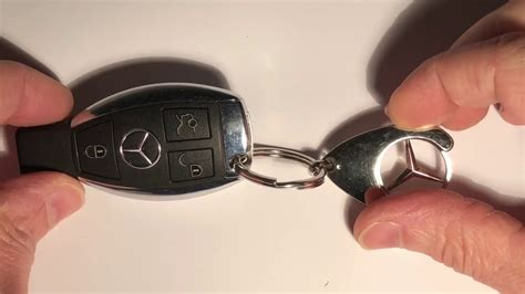Mercedes benz smart key battery tutorial changing the batteries in your mercedes key is simple if you know how, this video shows how to replace the batteries in a key for a mercedes vito. Come aprire chiave MERCEDES GLA sostituzione batteria - YouTube