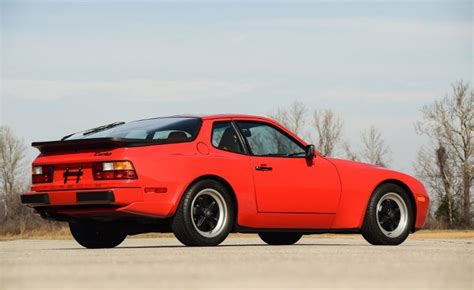 porsche  turbo hollywood wheels auction shows