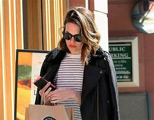 Mandy Moore steps put without wedding ring following ...