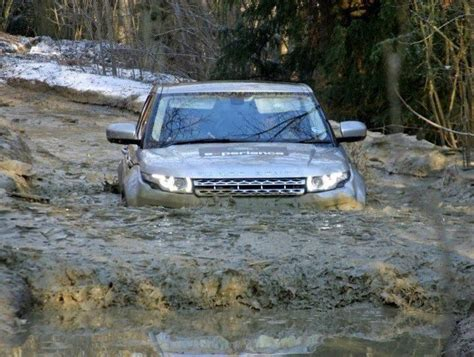 land rover water range rover evoque deep water and range rovers on pinterest