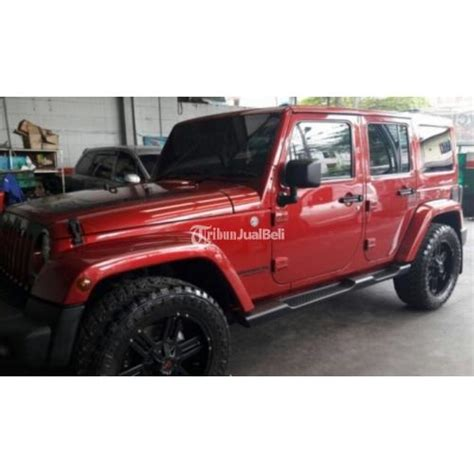 jeep rubicon 2017 maroon mobil bekas jeep rubicon type sahara 4x4 merah maroon