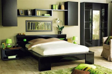 Bedroom wall design – wall decoration behind the bed