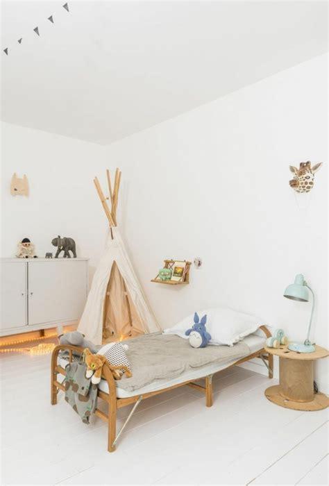 couleur chaude pour chambre chambre couleur chaude de design chambre couleur chaude