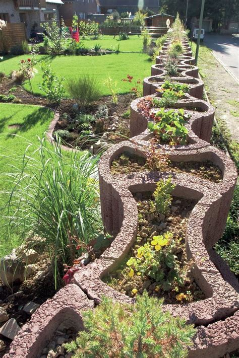 Pflanzringebetonsetzengartengestaltungwellenförmig