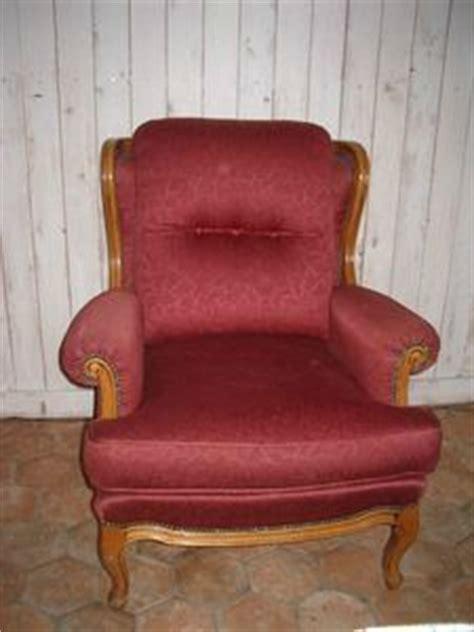 relooker un canapé en tissu repeindre le tissu d 39 un fauteuil avant apres bricole et