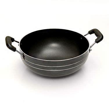 buy branded set   pcs  stick cookware    price  india  naaptolcom