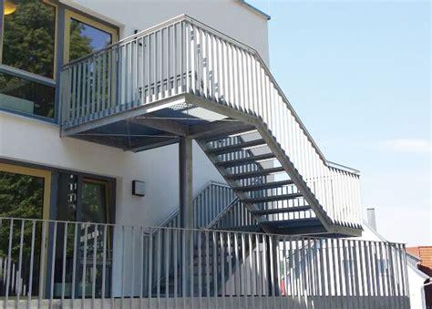 Außentreppe Aus Stahl by Stahlbau Schlosserei Und Schmiede Leippert In Engstingen