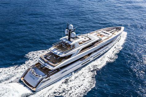 Yacht Luxury by Tankoa 501 Luxury Superyacht Vertige Yacht Charter