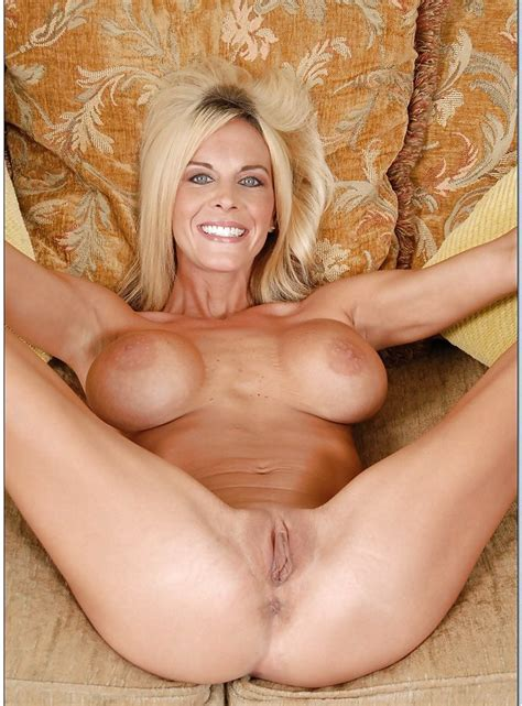 Blonde Hot Soccer Milf Spread Legs Steakmeat