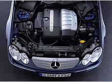 Foto Bild Mercedes CLK, CLK 270 CDI Motorraum angurtende