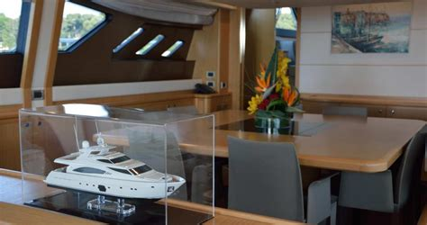 Motorboat Beer by Maxi Beer Yacht Charter Motor Boat Ritzy Charters