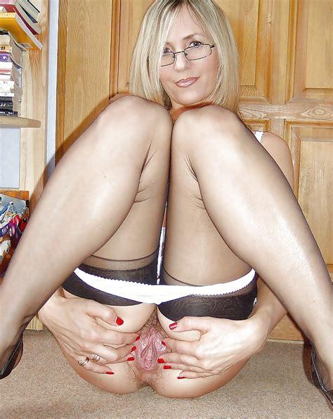 Upskirt Nylon Stockings Grannies And Matures 66 Pics