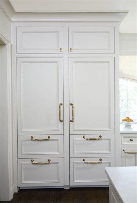 Stately & Subdued: A Classic White Kitchen   Kitchens I