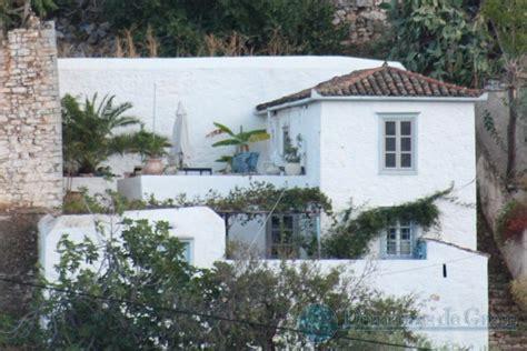 maison traditionnelle a vendre a hydra grece