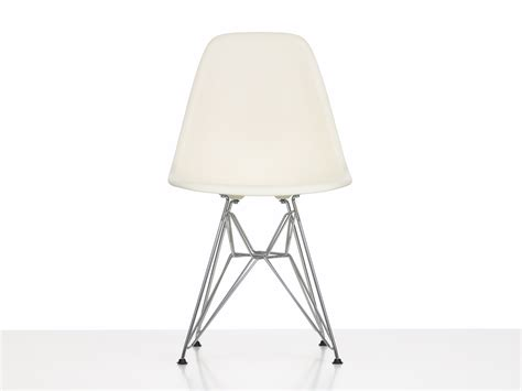vitra side chair buy the vitra dsr eames plastic side chair at nest co uk
