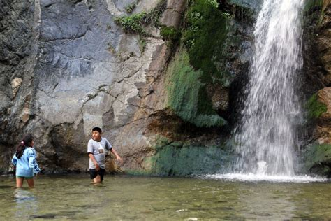 eaton canyon teen deaths highlight dangers  hiking