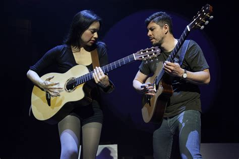 How Rodrigo Y Gabriela Worked Their Way Up
