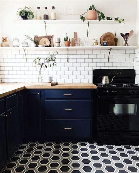 upgrade kitchen cabinets best 25 kitchen black appliances ideas on 3088