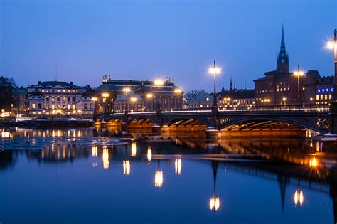 photo stockholm sweden bridges night rivers street lights