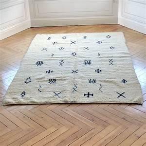 Grand Tapis Berbere : grand tapis berb re motifs des tribus de la r gion d ~ Teatrodelosmanantiales.com Idées de Décoration