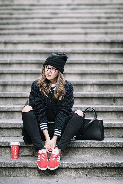 COMFY OUTFIT + HOT CHOCOLATE - Lovely Pepa by Alexandra