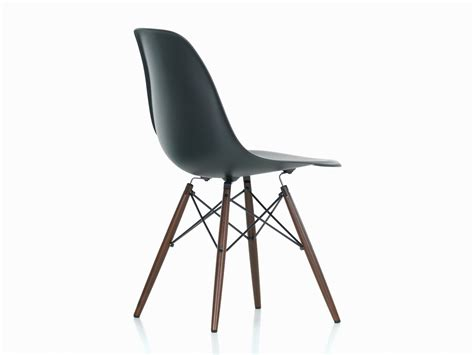 chaise dsw vitra buy the vitra dsw eames plastic side chair maple base