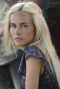 Long And Messy Blonde The Latest Trends In Women39s