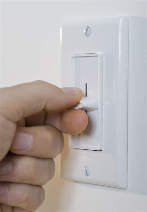fix  hot  buzzing dimmer switch