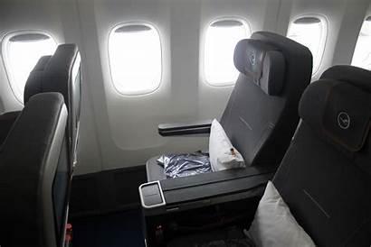 Economy Lufthansa Premium Frankfurt 747 Flight Class