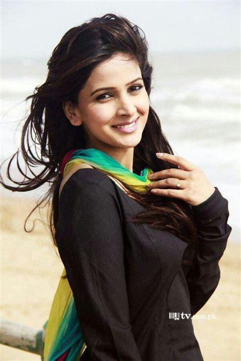 Best Pakistani Actress Of 2012saba Qamar