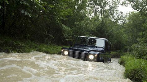 land rover off road land rover defender off road wallpapers