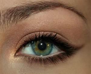 Eyeliner Für Anfänger : die besten 25 bleistift eyeliner ideen auf pinterest pencil eyeliner anleitung winged ~ Frokenaadalensverden.com Haus und Dekorationen