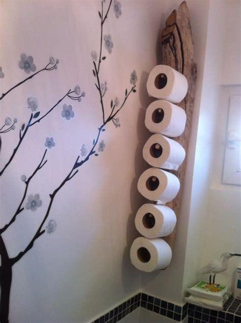 porte papier toilette en bois porte stock papier wc en bois flott 233 pratique toilettes surf et troncs d arbres