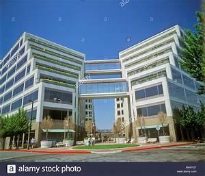 Apple Corporate Headquarters in Cupertino California Stock ...