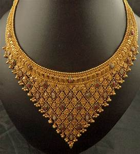 22 Karat Filigree Meenakari V Shaped Mat Design Chain