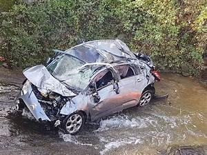 Accident De Voitures : a la une toile sur rh ne un jeune homme tu dans un accident de voiture ~ Medecine-chirurgie-esthetiques.com Avis de Voitures